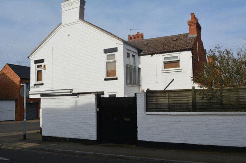 Cowper Terrace, Junction Road